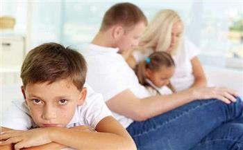 التدليل الزائد والعنف الزائد لا يساهم في تربية طفل