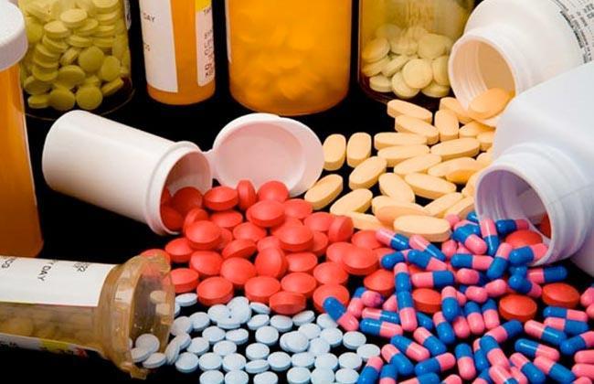 ضبط أدوية مهربة فى صيدليات بسوهاج