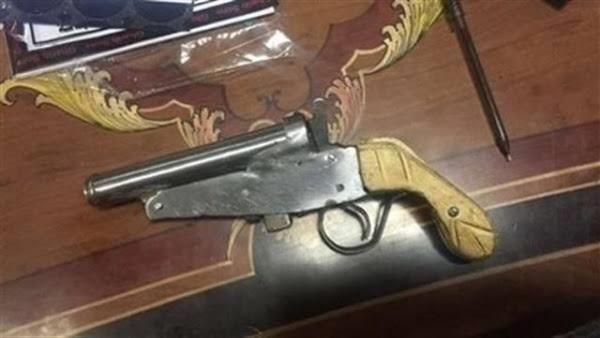بسلاح ومخدرات.. تفاصيل سقوط «شيبه» بالمعصرة