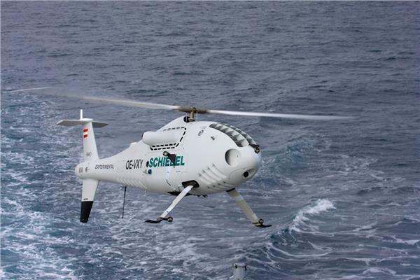 شاهد  البحرية اليونانية تنهي اختبارات «CAMCOPTER S-100»
