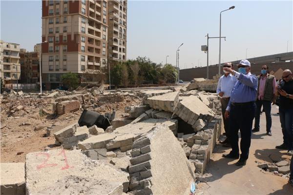 محافظ القاهرة يتفقد أعمال توسعة محور عدلى منصور