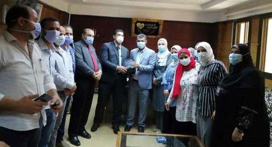 """""""صحة المنيا"""" تكرم المشاركين في تنفيذ أعمال المبادرات الرئاسية"""