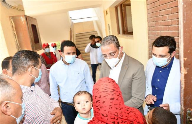 محافظ الفيوم يتفقد أعمال القافلة الطبية بقرية سيدنا الخضر