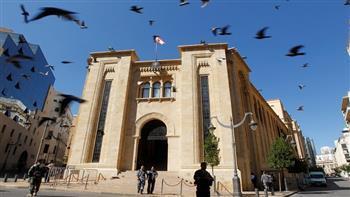 لبنان.. محتجون يحاولون إقتحام مبنى مجلس النواب
