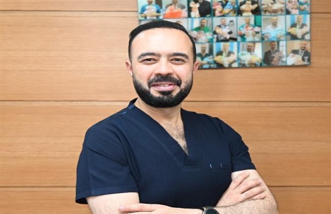 أحمد عاصم يوضح الفرق بين أطفال الأنابيب والحقن المجهري