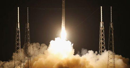SpaceX تطلق أول طاقم من المدنيين بالكامل إلى الفضاء