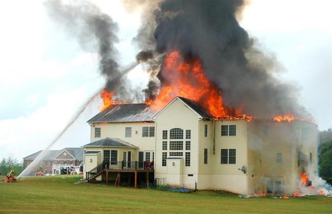 الحرائق تلتهم منازل النجوم