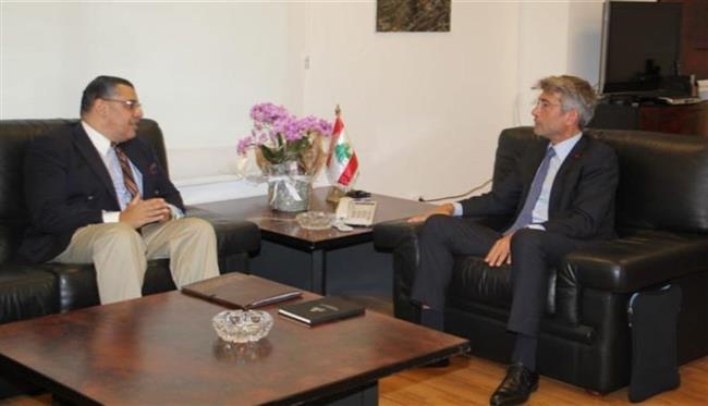 وزير الطاقة بلبنان يبحث مع سفير مصر آليات توريد الغاز لبيروت