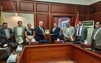 رئيس جامعة بني سويف يستقبل وفد جامعة ليون والمعهد الفرنسي بالقاهرة