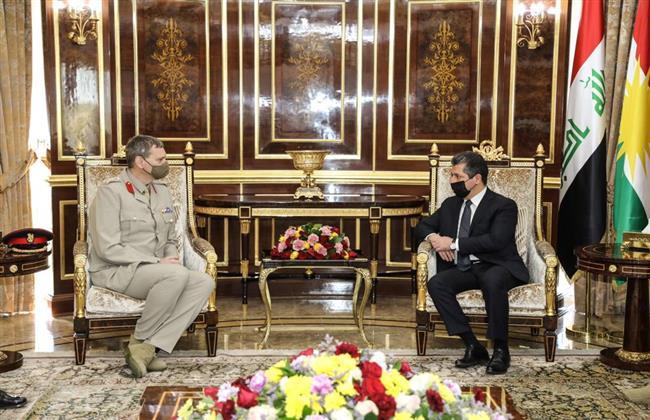 رئيس حكومة كردستان يستقبل مسؤولا عسكريا بقوات التحالف