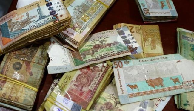 900  تريليون جنيه .. «السيولة الهاربة» ترهق اقتصاد السودان