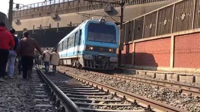 مصرع مسن أسفل عجلات مترو المعادي