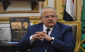 الخشت : صرف 1800 جنيه  للعاملين بجامعة القاهرة